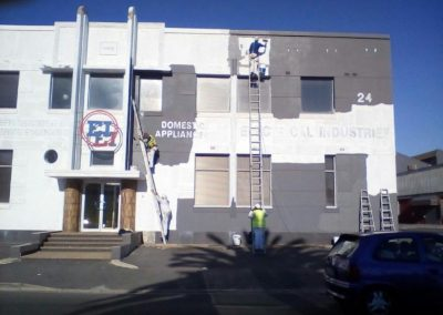 Hp and paint Electrical Industries Paarden Eiland before